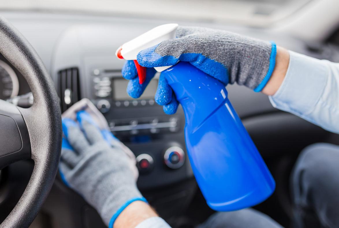 Paso a paso para desinfectar el coche durante el coronavirus