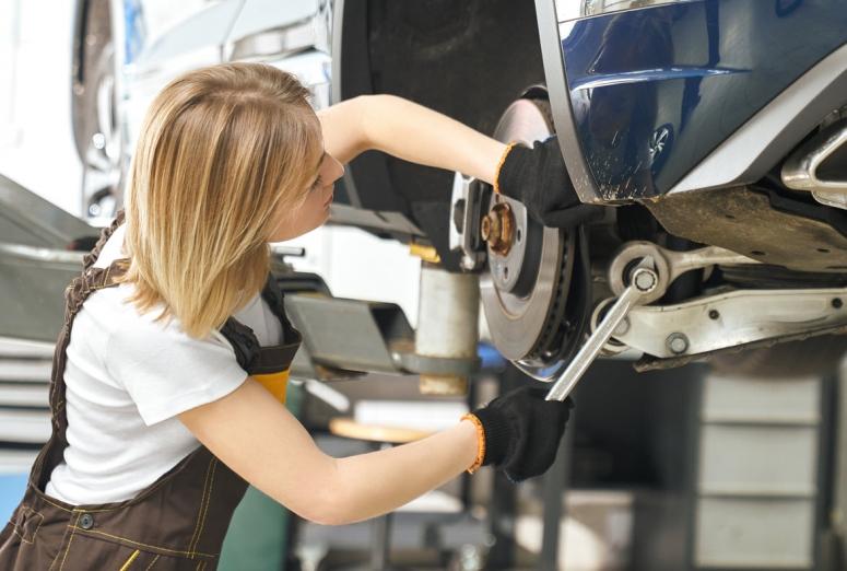 ¿Qué profesionales son los más demandados en el sector de la reparación?