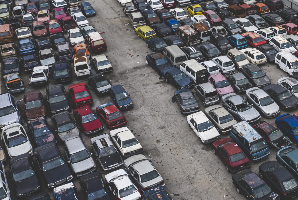 Así se solicita el traslado a un desguace de los vehículos abandonados en el taller
