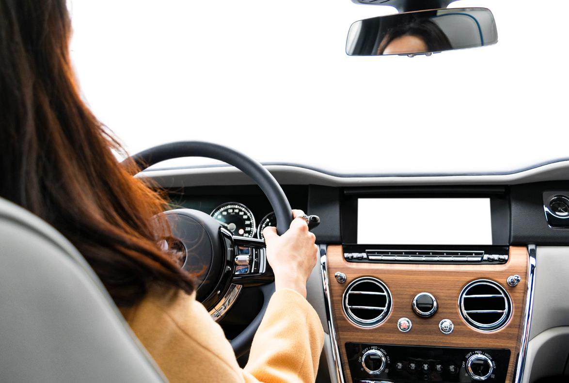Los ruidos en el interior del coche son frecuentes con el paso del tiempo y el desgaste de determinados componentes. Descubre a que se deben y cómo puedes solucionarlos.