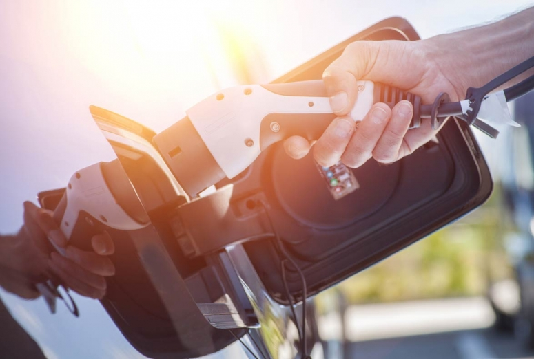 Adaptar el taller al coche eléctrico: tres requisitos básicos para ponerse al día