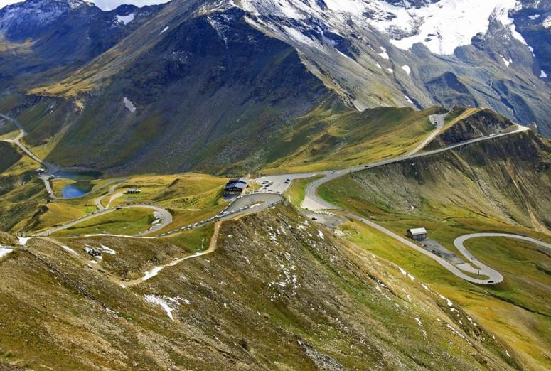 Carreteras de montaña para probar los frenos