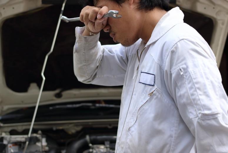 Consejos para controlar el estrés en el taller mecánico
