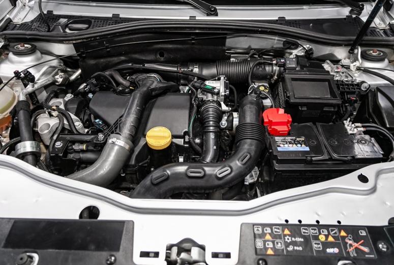 Por qué es necesario eliminar el polvo y las grasas del bloque motor