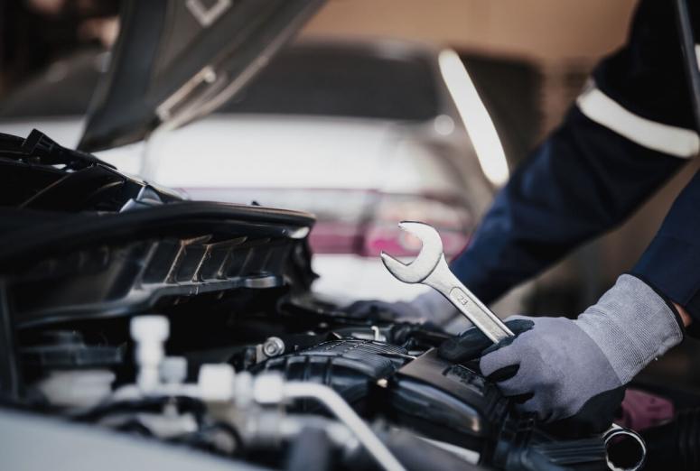 La mitad de los conductores solo acude al taller si detecta alguna avería