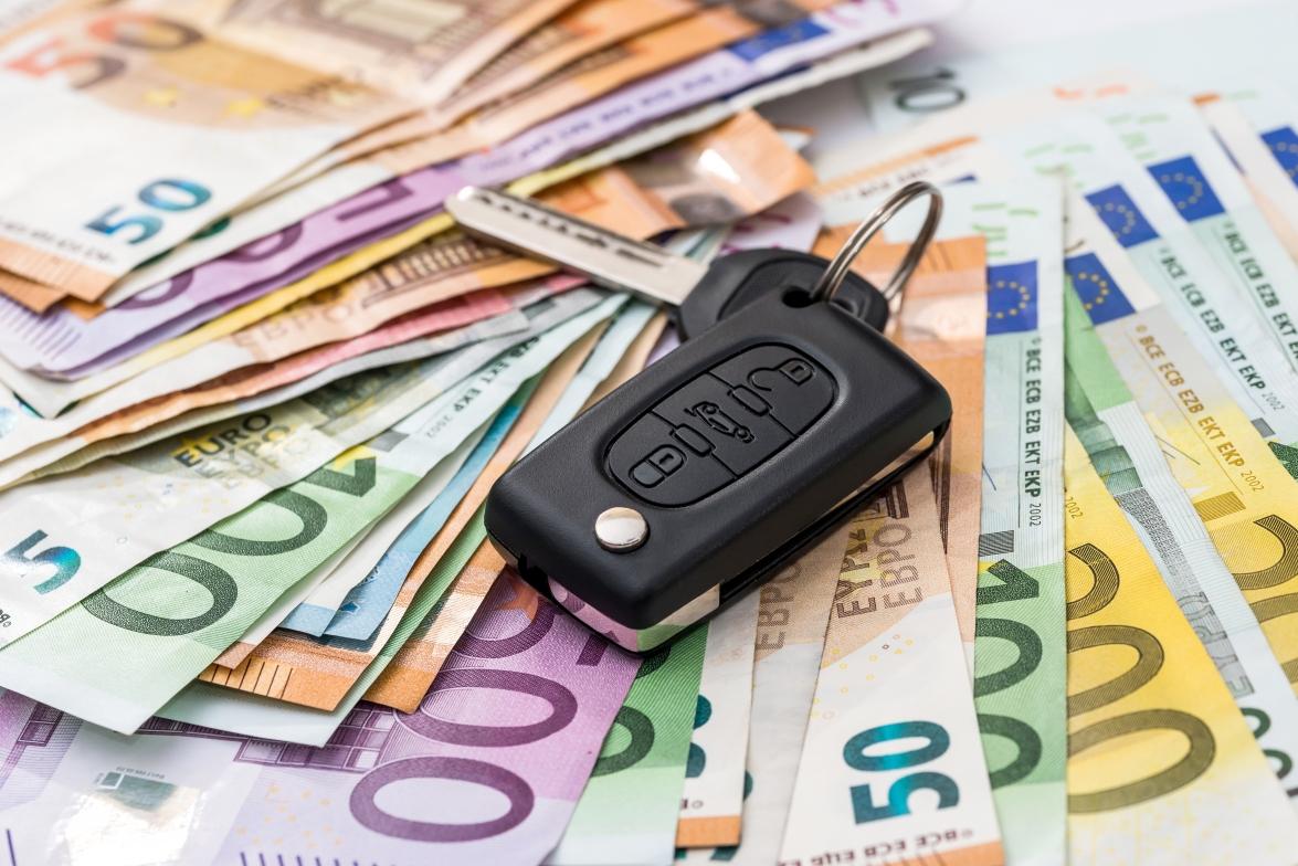 Aceptar pagos en metálico: obligación para el taller y complicación fiscal