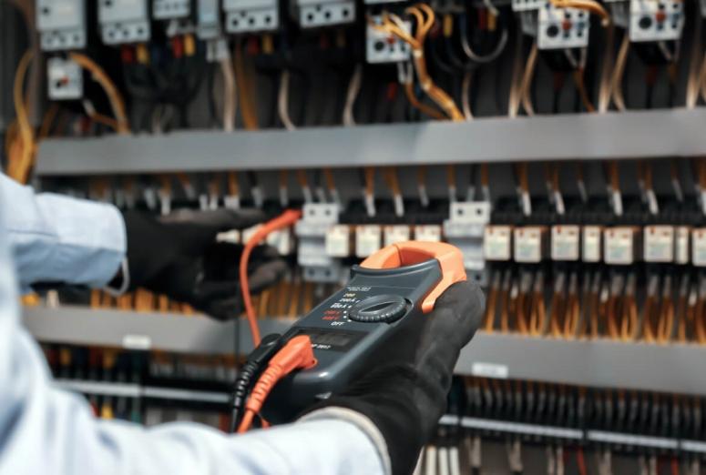 Las inspecciones eléctricas en talleres: todo lo que tienes que saber