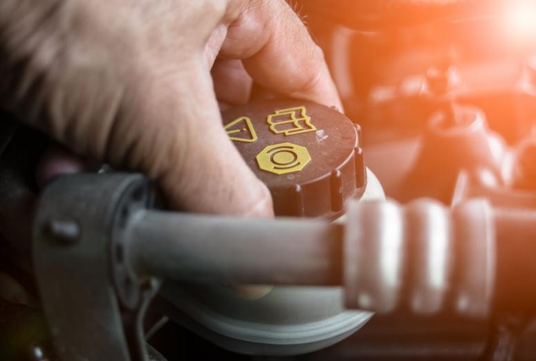 Características del líquido de frenos y su importancia en un buen frenado del vehículo