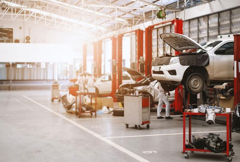 ¿Puede un taller multimarca reparar un coche en garantía? Sí, con matices